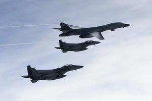 美戰機實彈演習摧毀導彈 嚴厲回應北韓挑釁