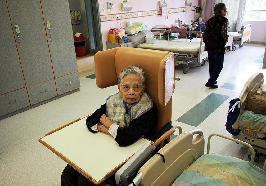 醫管局及社署進一步擴展醫療費用減免機制