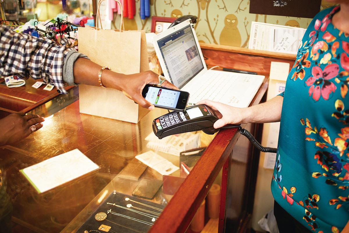 在中國之前,美國已經有手機支付的科技了,但美國市場反應並不是很熱情。(Getty images)