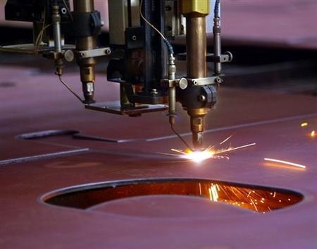 美國總統唐納德・特朗普表示,他正在考慮通過實施限額、提高關稅等措施,來應對中國鋼鐵傾銷。(法新社)