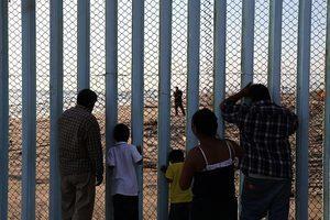 特朗普需要的墨西哥邊界牆:能發電還要透明