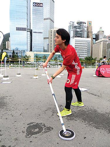 香港特殊奧運會地板曲棍球代表隊成員梁志斌。(張小慧/大紀元)
