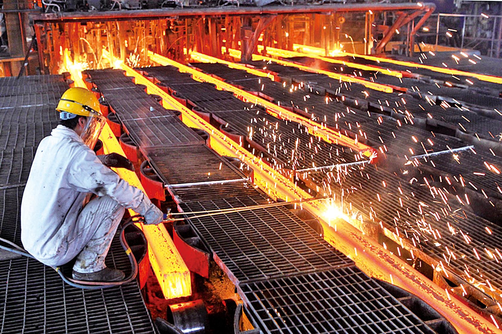 因為產能過剩嚴重,債券違約主要集中在鋼鐵、建築與工程、建材等行業,而事實上,國企方面極為堪憂。(Getty Images)