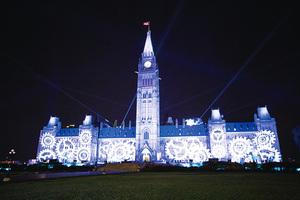 加拿大渥太華國會山聲光秀 穿越時空之旅
