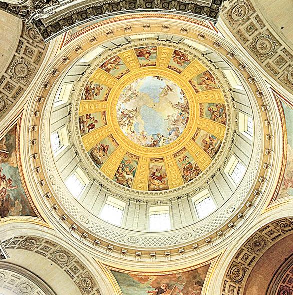 榮軍院穹頂教堂畫。(維基百科)