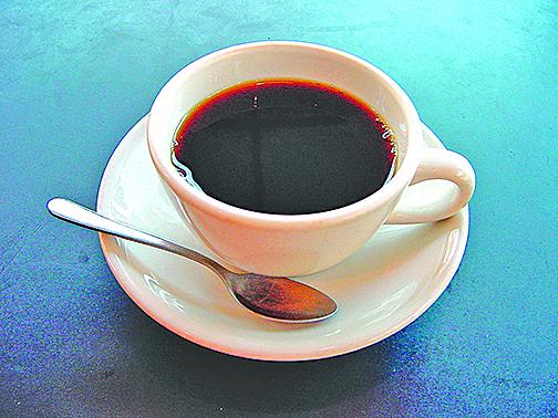 歐美兩項歷時16年的最新研究顯示,每天喝三杯咖啡可以降低死亡率。(維基百科)