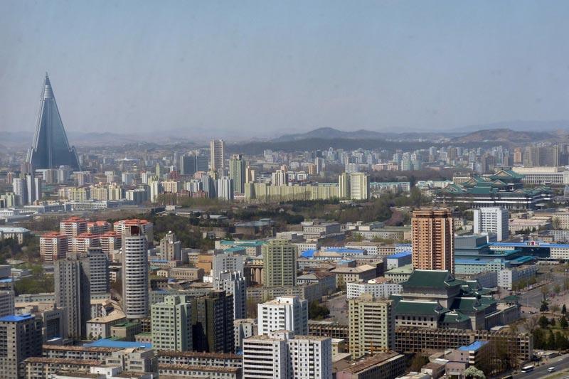 美國前段時間提出對與北韓有關的中國銀行及公司進行制裁,以期打擊北韓大規模殺傷性武器的籌資和研發。儘管聯合國禁止各國向北韓出口奢侈品,但在平壤的奢侈品商店內,仍然可買到各種高檔品。圖為北韓平壤。(AFP)