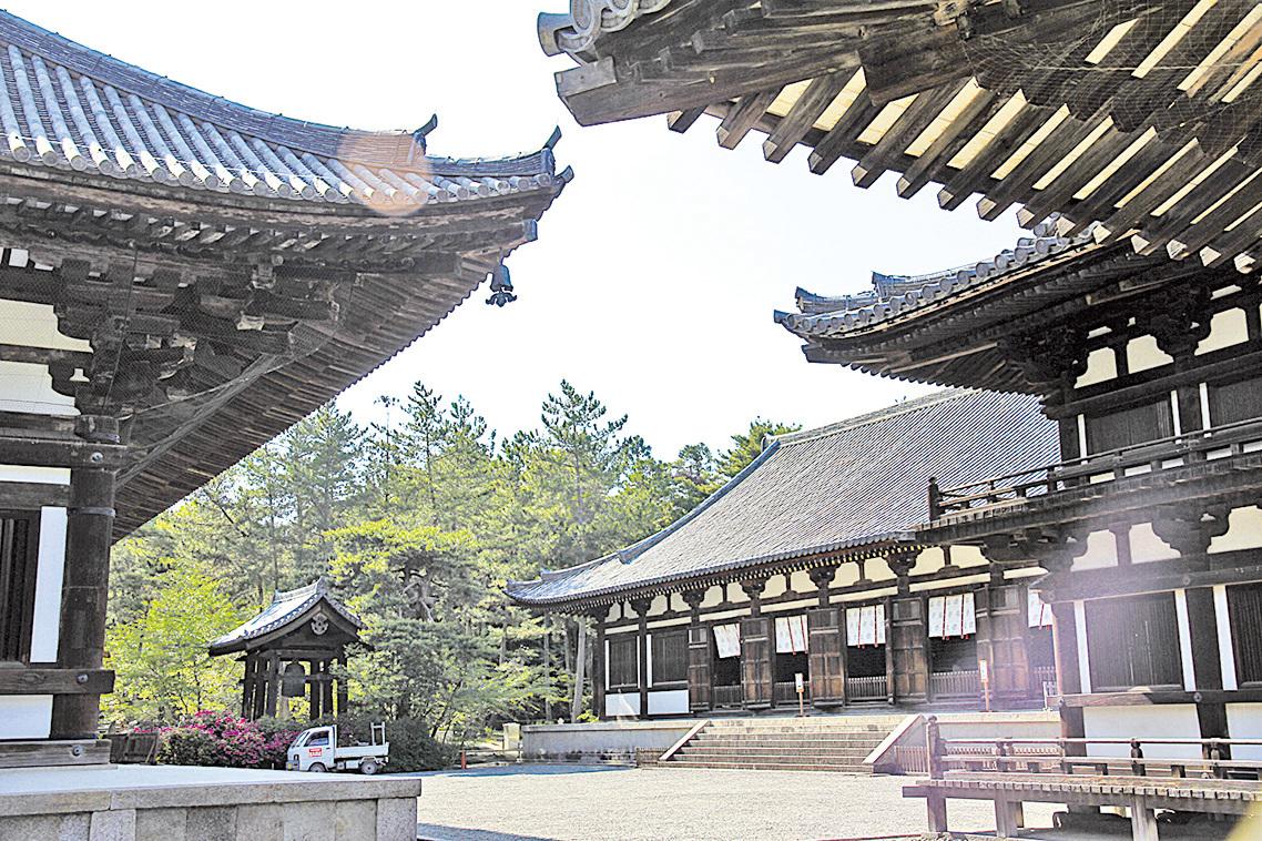 唐招提寺是高僧鑑真親手興建的盛唐建築風格寺院,被列入日本國寶。