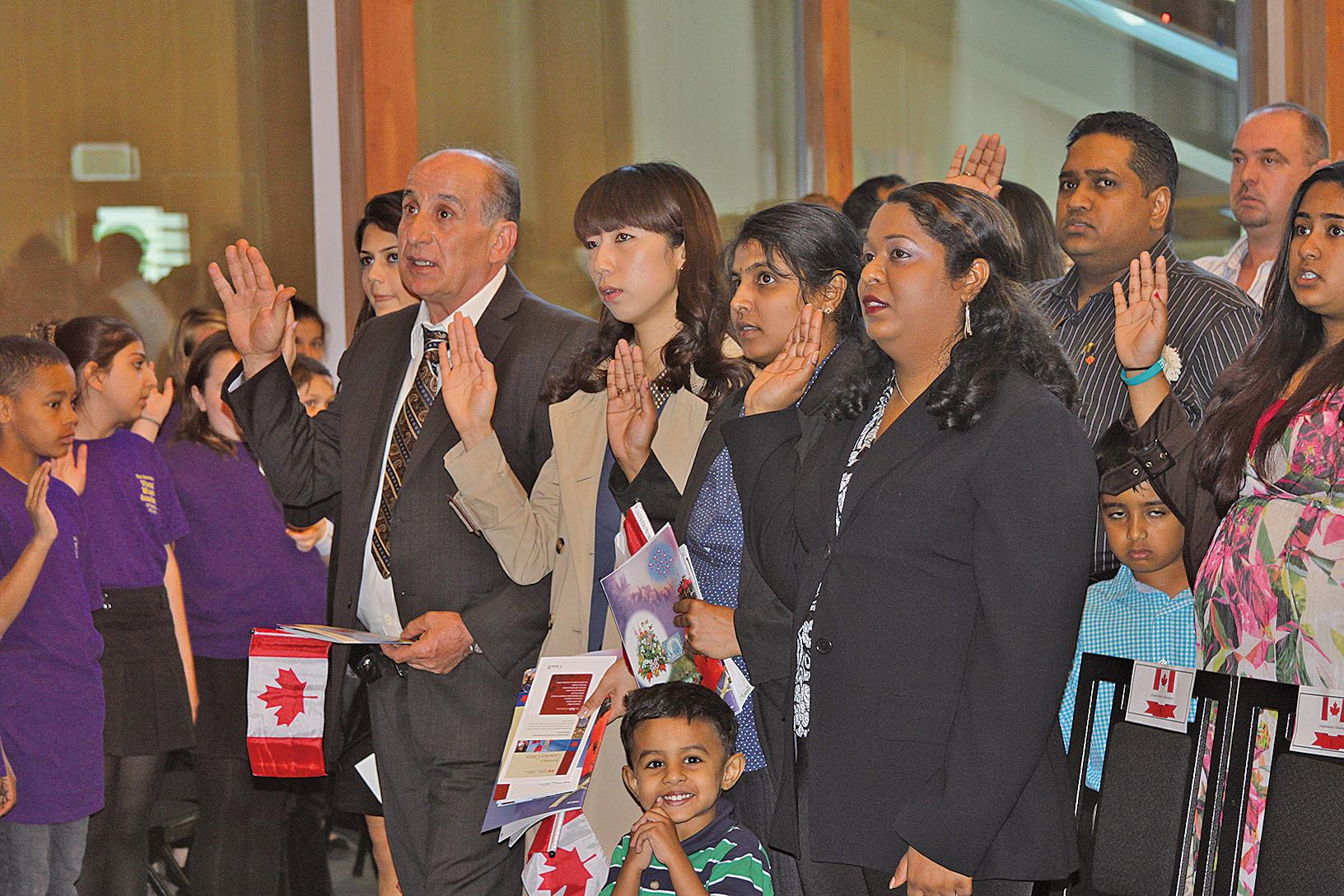 加拿大移民部今年初放寬大西洋省份移民政策後,使得更多的留學生獲得聘書,當地僱主也能快速招聘海外人才。(大紀元資料圖片)