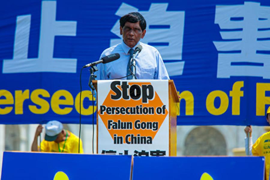「國際大赦」美國分部國際宣導主任提.庫瑪博士(T. Kumar)。(李莎/大紀元)