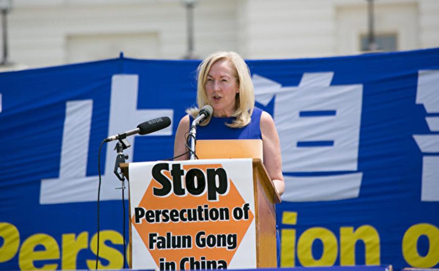 「公民人權委員會」專員琳達.拉格曼博士(Linda Lagemann)。(李莎/大紀元)