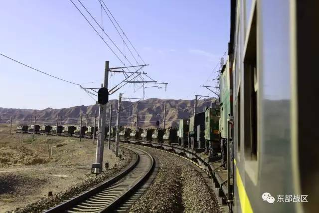 中印邊境對峙逾月,雙方均不斷增兵。最新消息顯示,印方展開新的工程,改善邊境哨所的自來水設施,被指準備持久戰;中方東部戰區馳援西北,邊境部隊進入一級戰備。(網絡圖片)