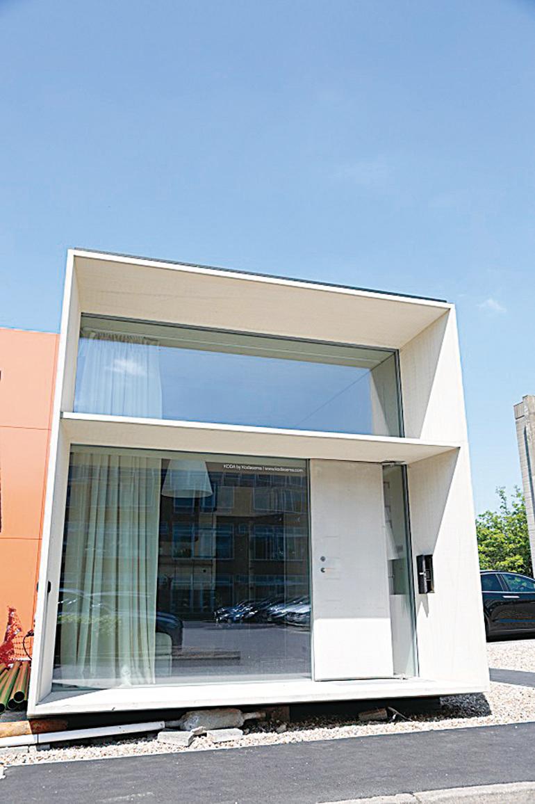 一天建成的現代化折疊屋  帶來英國住房新風潮