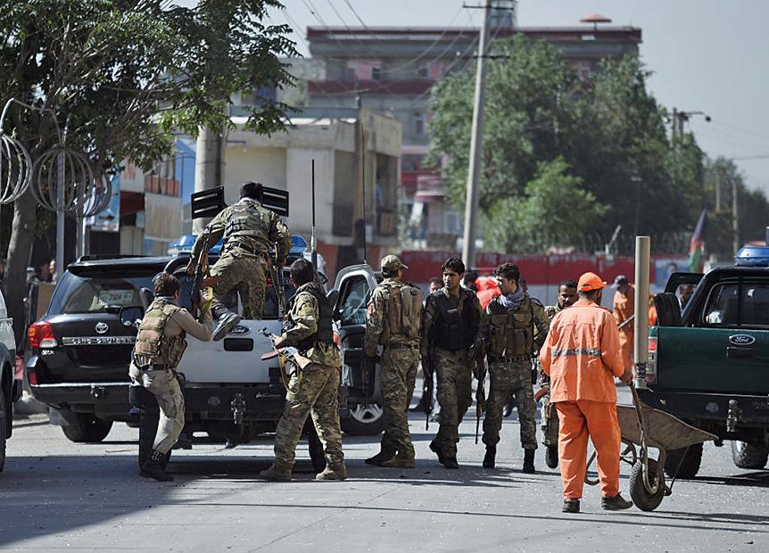 24日阿富汗首都喀布爾發生了自殺性炸彈事件。(AFP)