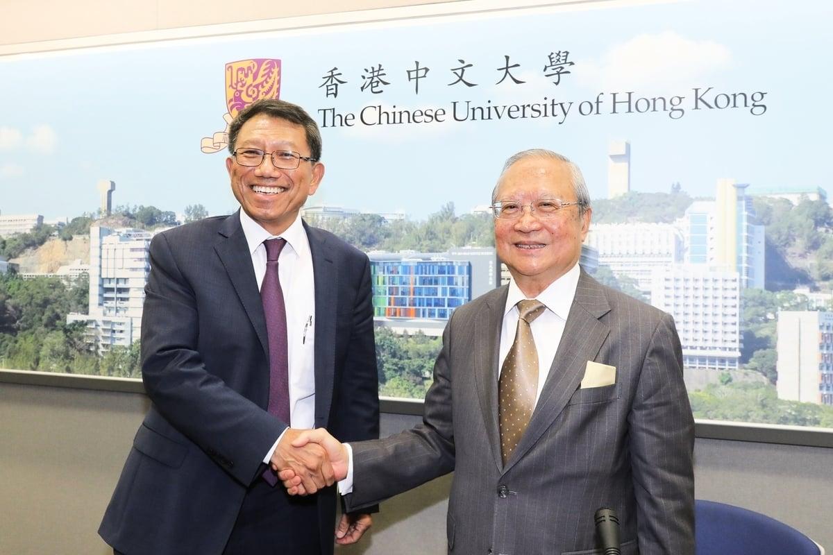 中大候任校長段崇智(左)及校董會主席梁乃鵬博士。(中大提供)