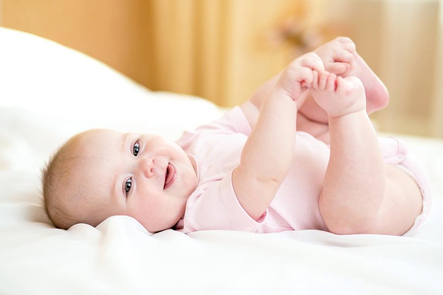 搔嬰兒腳底長大怕過橋? 無醫學實證!