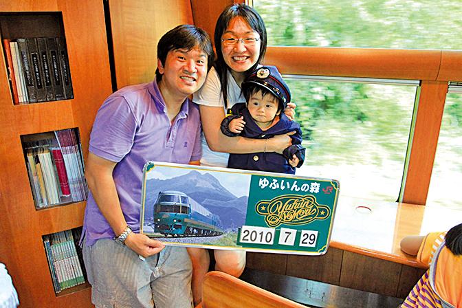 童童只有2個月大,阿恒夫婦就開始帶她和哥哥去旅行了。(受訪者提供)