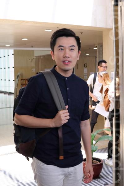 立法會議員朱凱廸及鄭松泰(圖),被入稟覆核議員資格。由於原告仍未繳保證金,法官押後裁決是否接納申請。(蔡雯文/大紀元)