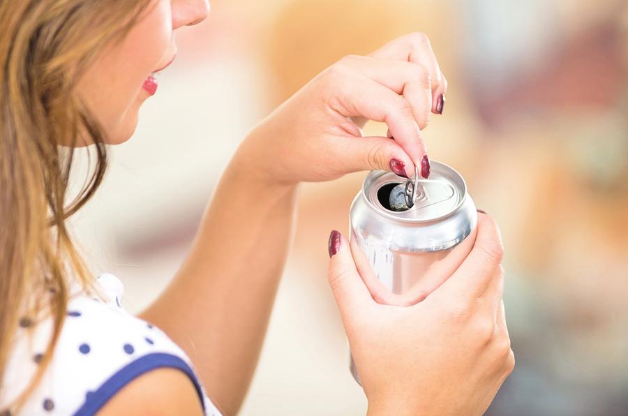 喝冷飲沒節制 國中女月經嚴重失調