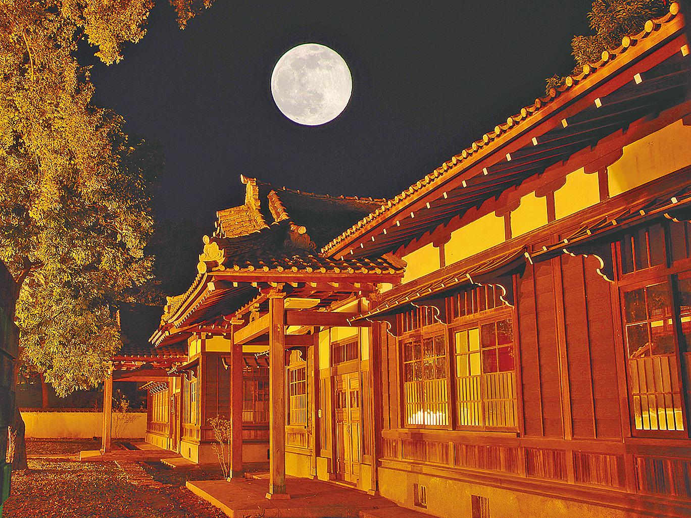 月亮月夜 (攝影:王嘉益 / 大紀元)