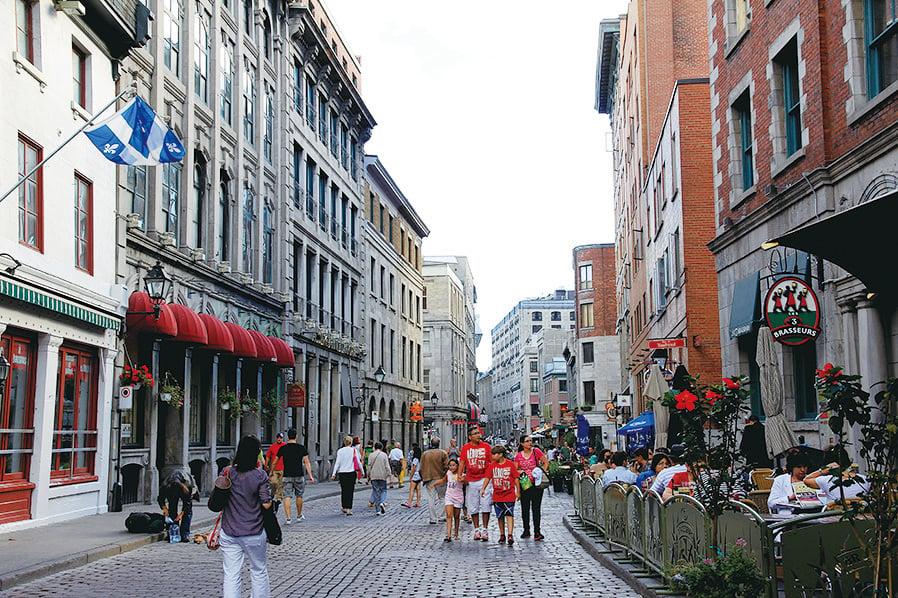 蒙特利爾獨具歐陸特色的商業街。(Sunny/大紀元)