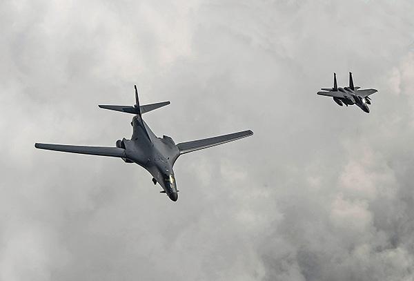 美兩B-1戰機飛朝鮮半島