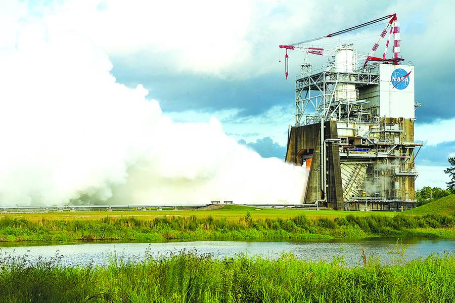 準備載人上火星 NASA測試最大火箭發動機