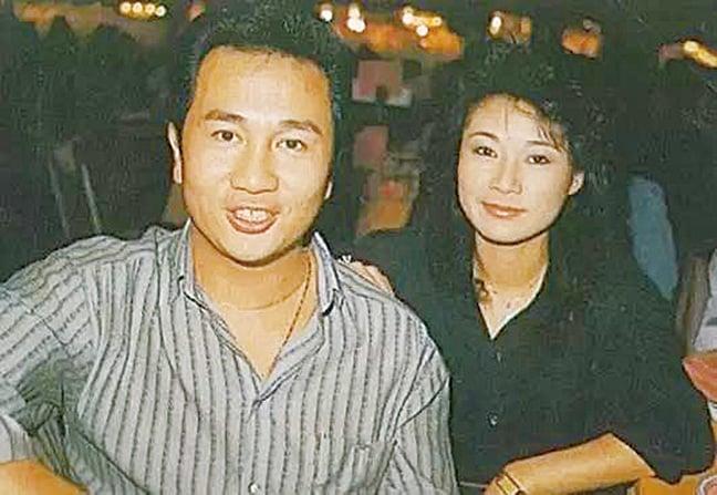 歐陽佩珊與丈夫郭鋒年輕時照片,兩人結縭40年,是娛樂圈的模範夫妻。(網路圖片)