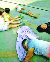 屋主全家遭捆綁毆打 陝西暴力強拆引憤怒