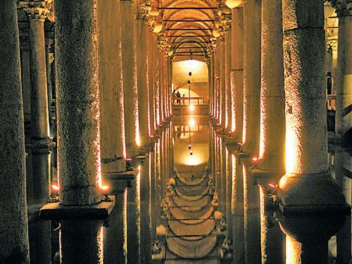 葉瑞巴坦宮(Basilica Cistern) (Dreamstime)。