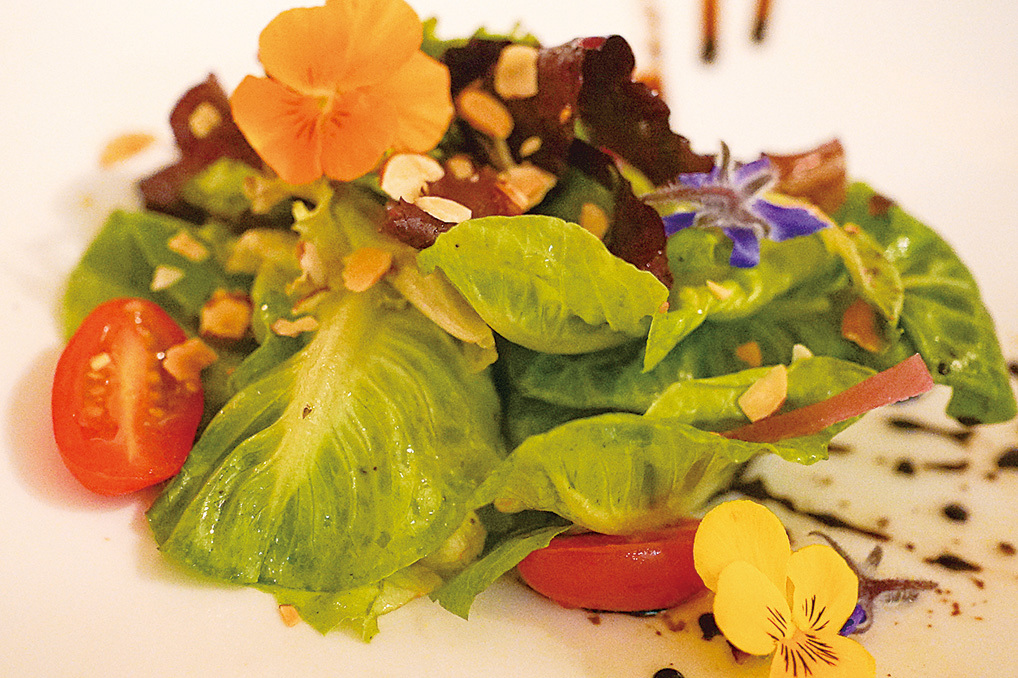 La Strada意大利餐廳的招牌沙拉。(李旭生/大紀元)