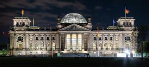 行「納粹禮」拍照 中國遊客在德被控罪