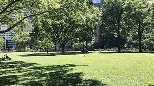 紐約人的世外桃源 炮台公園