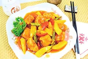 【梁廚美食】芒果甜酸生炒骨
