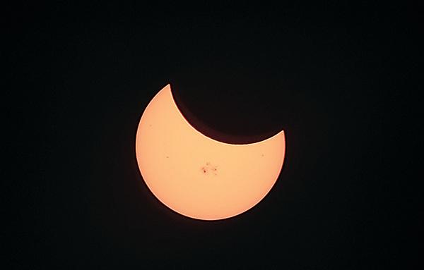 古人看待日食月食等天文現象,有另一套解讀方法。(AFP)