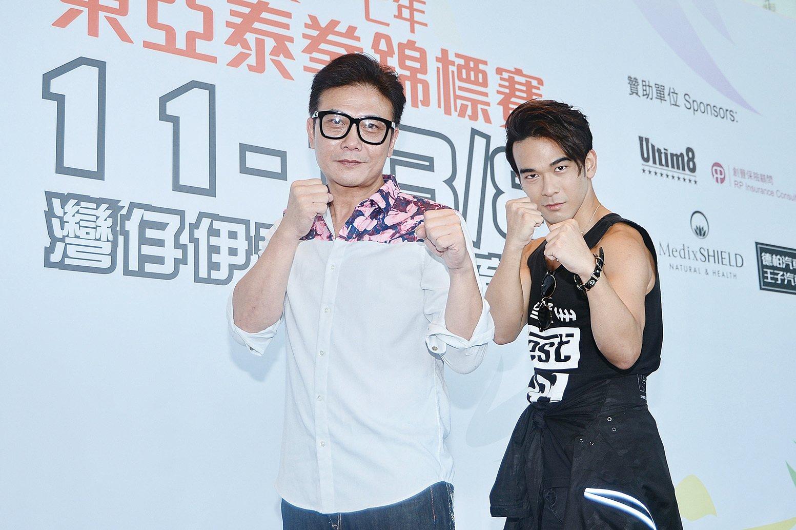 錢小豪與龐景峰父子檔拍網絡電影《生化藥屍》。(宋碧龍/大紀元)
