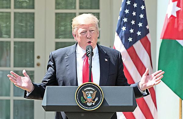 美國總統特朗普嚴厲警告,發表要北韓承受「火與怒」的言論。(Getty Images)