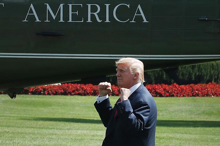 白宮一位資深貿易官員表示,總統下一步將是懲罰中共的非法知識產權盜竊,用301條款箝制中共的2025年工業計劃。(Mark Wilson/Getty Images)
