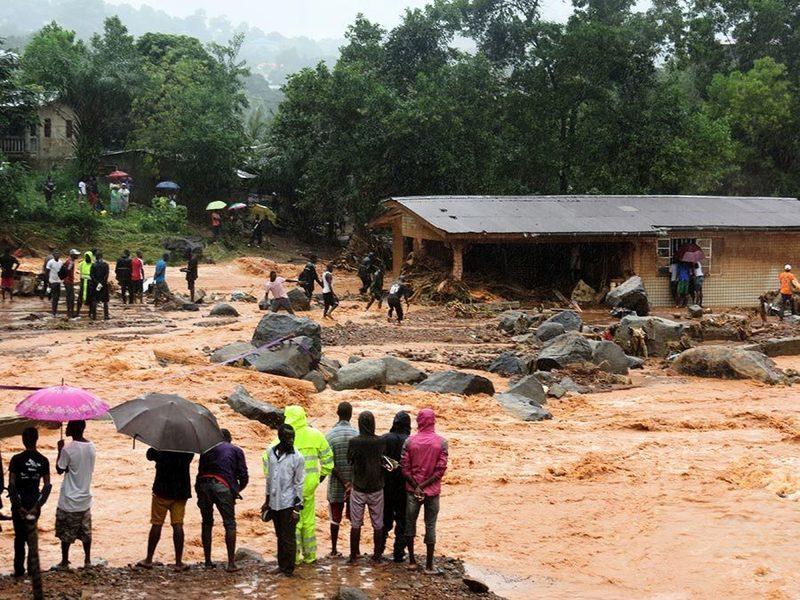 塞拉利昂泥石流罹難人數近四百 數百人失蹤