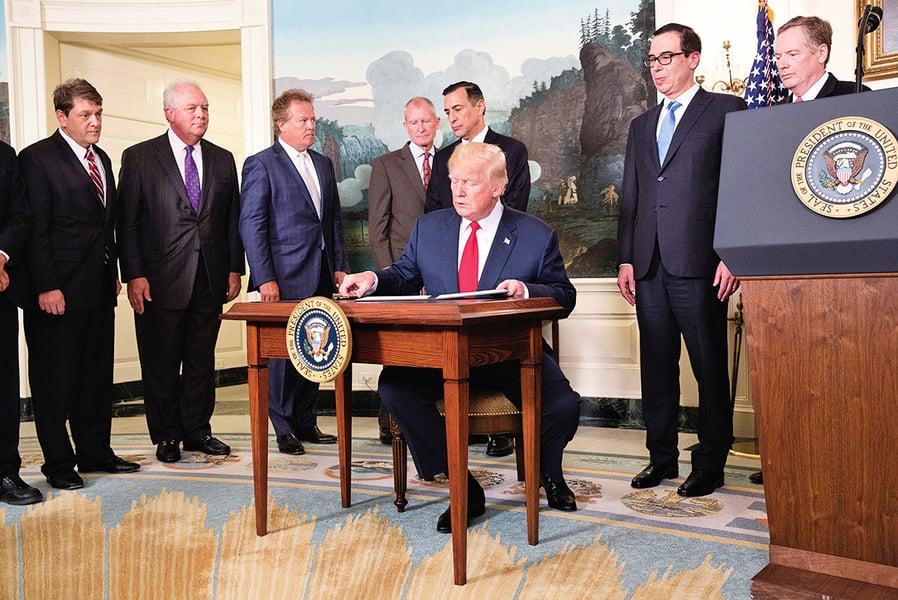 特朗普簽行政備忘錄 指示對中貿易啟動調查