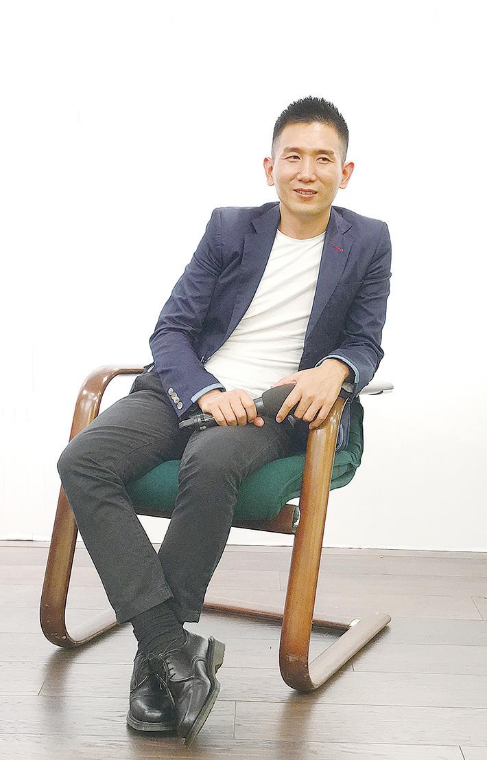 2017年7月,趙德胤在光華新聞文化中心為《台灣式言談》——《混亂中靜氣平心》演講。