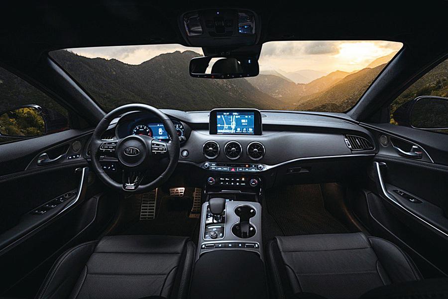 Kia Stinger的安全功能與便捷配置