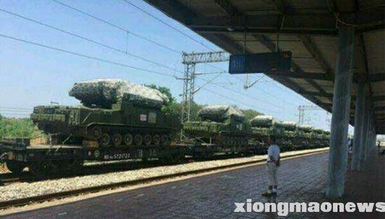 中共紅旗-17防空導彈運往西藏。(網絡圖片)