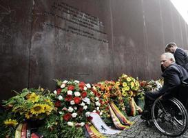 柏林圍牆56周年反思 中國柏林牆被指隨時倒塌