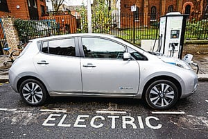 減少空氣污染 汽油車柴油車全將被禁 英國2040年起禁售新的汽油及柴油車