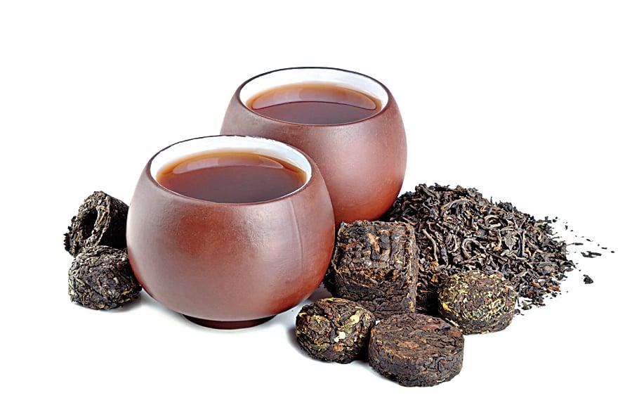 普洱茶屬於老茶, 適合用陶土茶器沖泡。