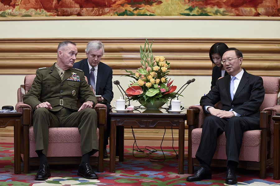 正在中國訪問的美國參謀長聯席會議主席鄧福德(Joseph Dunford)表示,中國需要對北韓更大施壓,而且美國為保護本國及其盟國,有調用各種軍事能力的決心。(AFP PHOTO/POOL/WANG ZHAO)