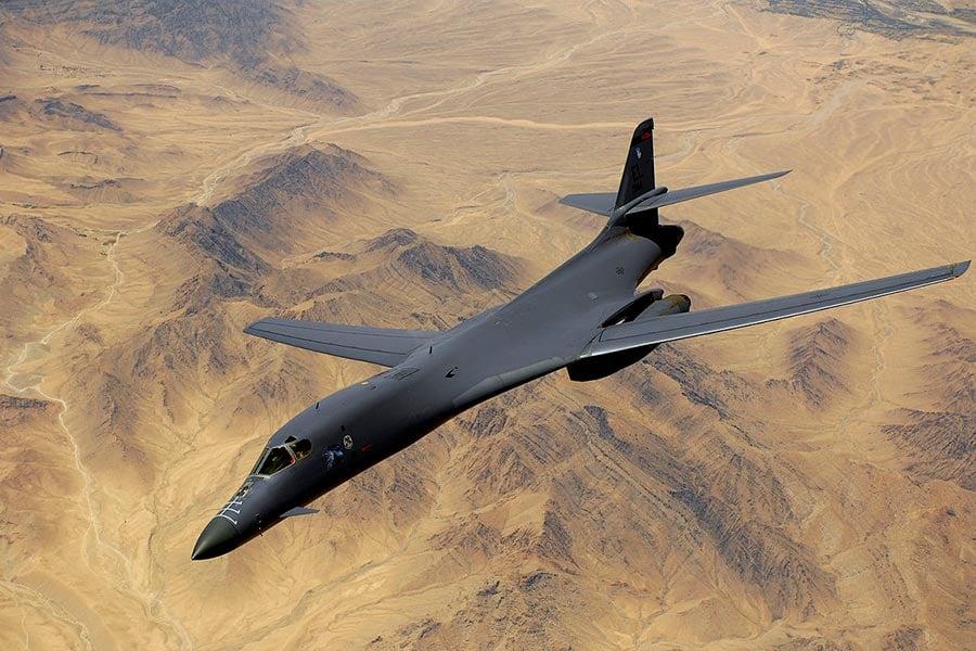 美軍於2017年8月8日派出有「死亡天鵝」之稱的兩架B-1B戰略轟炸機飛越朝鮮半島上空,進行軍事威懾。圖為B-1B轟炸機。(維基百科公有領域)