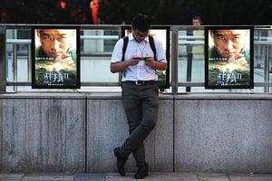 《戰狼2》迎合中共「主旋律」 國內爭議大海外票房慘