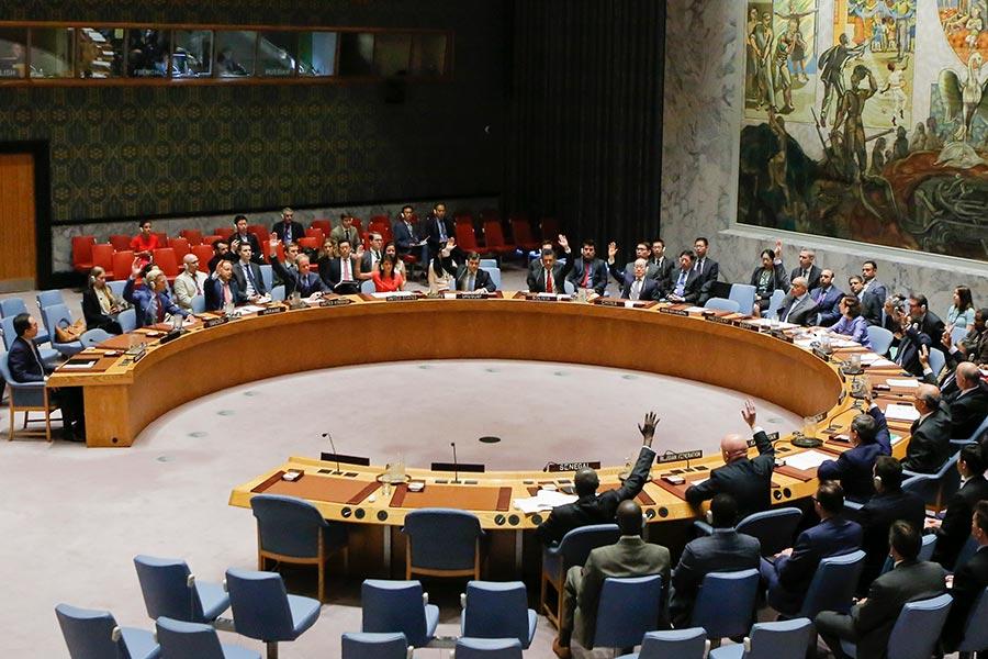 2017年8月5日聯合國安理會一致通過的2371號決議。被認為史上最嚴厲制裁決議。(EDUARDO MUNOZ ALVAREZ/AFP/Getty Images)
